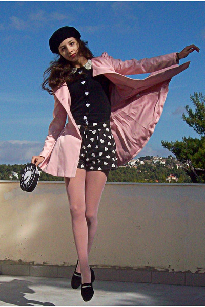 black beret H&amp;M hat - light pink romwe coat - black clock DIY bag - black shorts