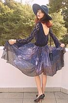 violet starry romwe skirt - navy lace Zara dress - navy Zara hat