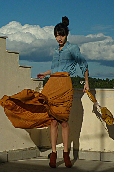 mustard lulus bag - burnt orange H&M boots - sky blue denim Stradivarius shirt