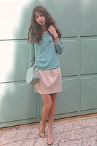 aquamarine polka dot romwe blouse - aquamarine bag - neutral Steve Madden heels