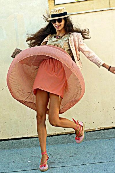 salmon pleated romwe skirt - light pink Uterque jacket - salmon wedges
