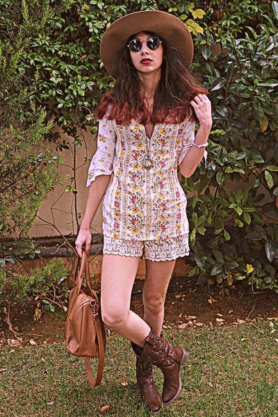 bubble gum floral VJ Style blouse - brown cowboy boots - bronze H&M hat