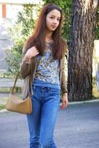 sky blue Levis jeans - camel longchamp bag - nude H&M t-shirt - camel Sfera card