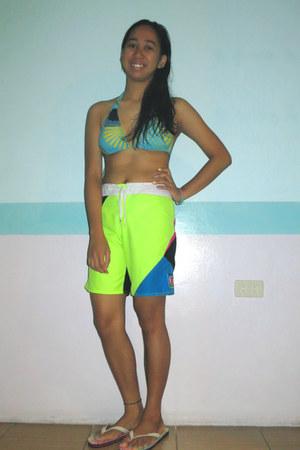 board Quiksilver shorts - aquamarine bikini Sassa top