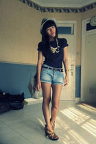 Burberry Blue Label bag - Zara shorts - Zara t-shirt - Charles & Keith shoes - U
