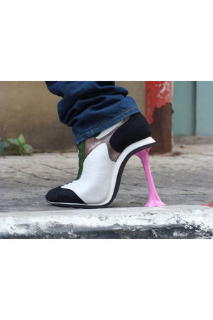 white kobe levi shoes