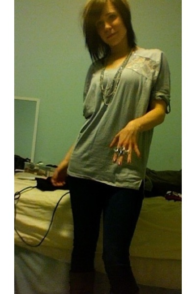 unknown top - grey papayaa boots - unknown ring