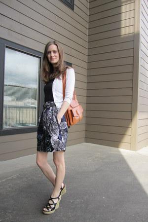 680485eab642 tawny vintage Lou Taylor purse - repurposed vintage skirt - black Old Navy  top -
