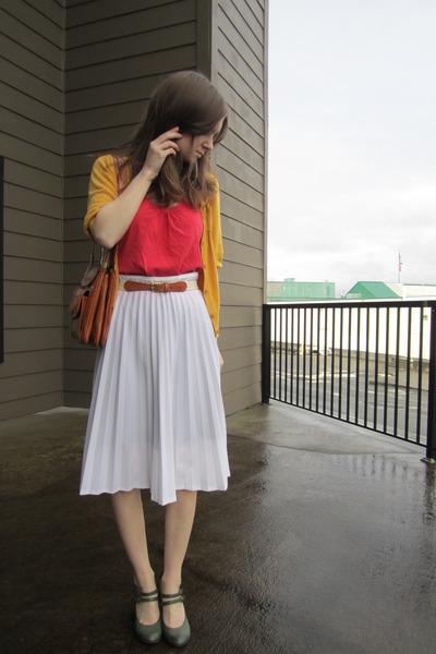 tawny lou taylor vintage purse - coral top - white vintage skirt - cream vintage