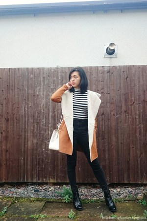 Pull & Bear boots - Urban Outfitters jeans - Stradivarius jacket - coach bag