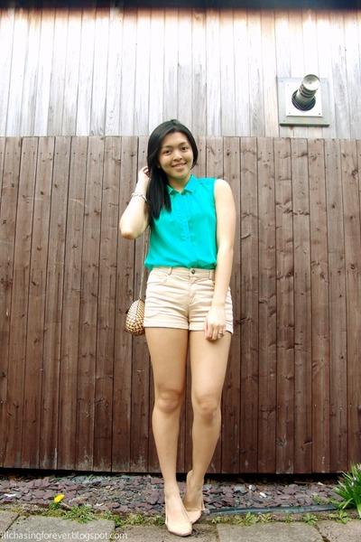 beige H&M shorts - light brown kultura bag - turquoise blue H&M top