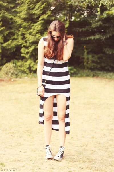 striped OASAP dress - black H&M bag - aviator Ray Ban sunglasses