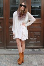 bronze pixels leather acne boots - neutral ruffles H&M dress
