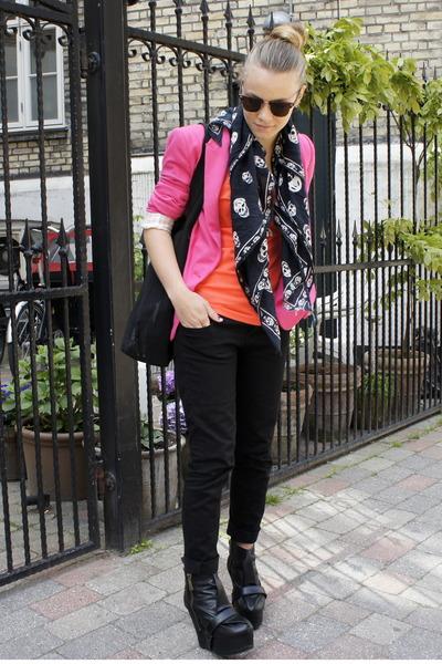 hot pink cotton Zara blazer - black skinny jeans Zara jeans