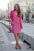 hot pink fitted Zara blazer - bubble gum sleeveless H&M dress