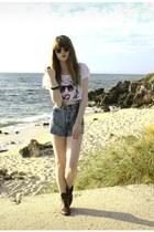 vintage boots - vintage shorts - Zara top