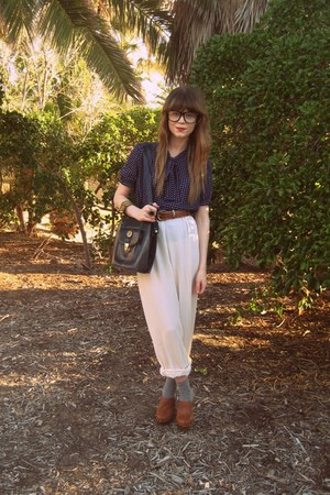 thrifted vintage belt - thrifted pants - Hobbs clogs - thrifted bag