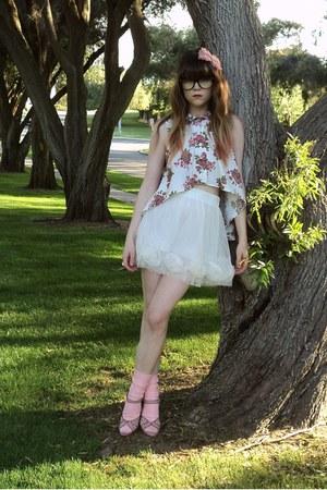blouse - skirt - heels