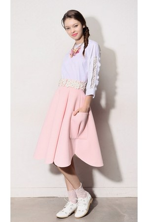 light pink storets skirt - off white lace socks storets socks