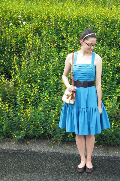 blue vintage dress - brown Anthropologie belt - brown Jessica Simpson shoes - be