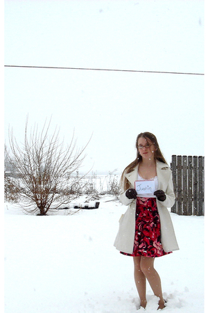 white Delias coat - red Mossimo shoes - red Forever 21 skirt