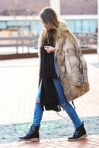 Zara boots - Zara jeans - Zac Posen bag - Zara t-shirt - Michael Kors watch