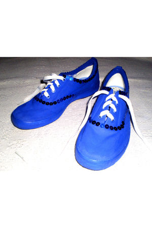 blue Keds shoes