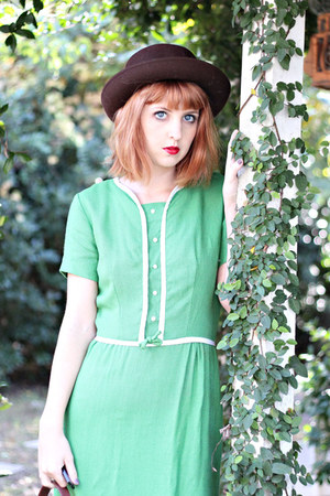 aquamarine 1960s vintage dress - dark brown felted bowler vintage hat