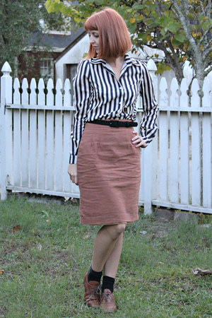 brown 1960s vintage skirt - black striped thrifted vintage blouse