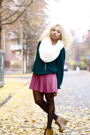 H&M scarf - H&M skirt - Bik Bok panties - JC cardigan - Nellycom wedges