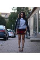 silver chicnova sweater - ruby red GINA TRICOT skirt - black Nellycom heels