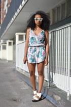 bubble gum GINA TRICOT bodysuit - white GINA TRICOT sunglasses - white H&M flats