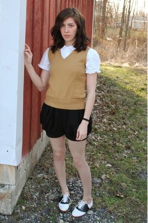 blouse - vest - shorts - shoes