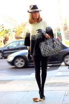 Pilar Burgos heels