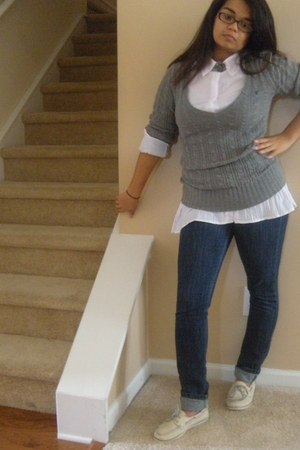 sperry shoes - Levis jeans - American Eagle sweater