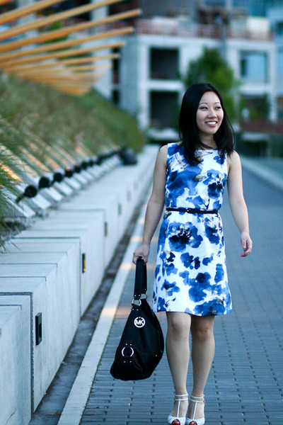 floral ann taylor dress - pebbled leather Michael Michael Kors bag