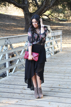 boots - skirt - necklace