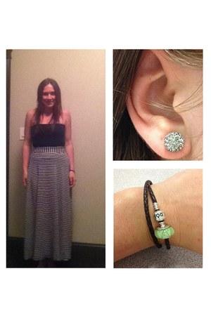 white J Crew skirt - black Luxe top - silver Hilbery & Berk earrings