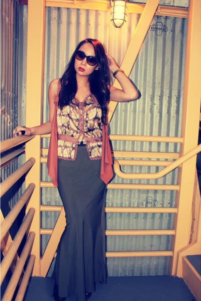 b6963abf8ec7 forest green maxi skirt Forever 21 skirt - burnt orange suede vest unknown  vest