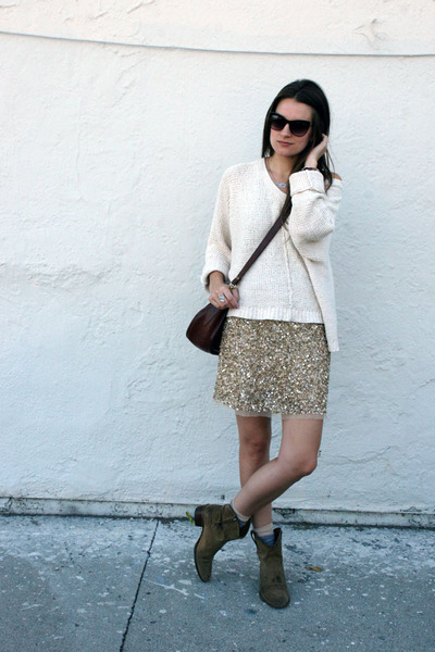 camel Zara skirt - tan Frye boots - eggshell free people sweater
