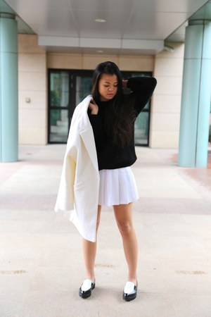 Urban Revivo shoes - Urban Revivo sweater - American Apparel skirt