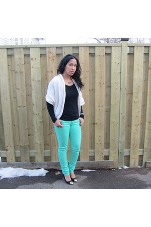 turquoise blue Sirens jeans - ivory cable knit TJ Maxx sweater