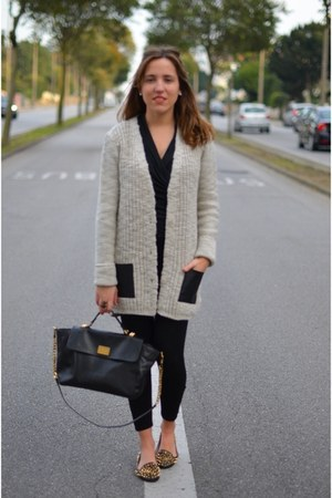 off white leather pockets Zara sweater - Zara leggings - black leather Zara bag