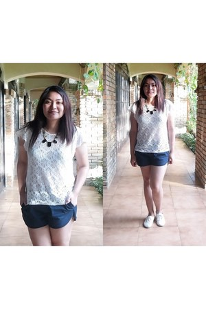 lace top - shorts - necklace - oxfords loafers