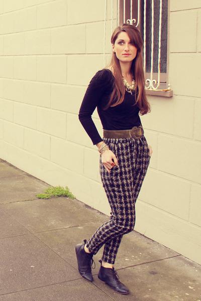 Nordstrom shoes - Gold & Citrus necklace - vintage belt - Forever21 pants - Gold