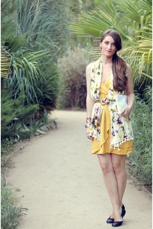modcloth dress - JCrew scarf - vintage bag - vintage belt - Ralph Lauren flats
