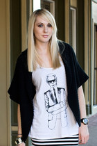 white tank top Karl Lagerfeld for Macys t-shirt - black Express cardigan