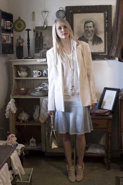 ivory oversized thrifted blazer - silver structured vintage bag
