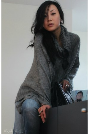 heather gray knit poncho H&amp;M cape - black 255 jumbo Chanel bag