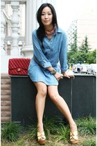 brick red 255 jumbo Chanel bag - periwinkle denim tunic Zara dress